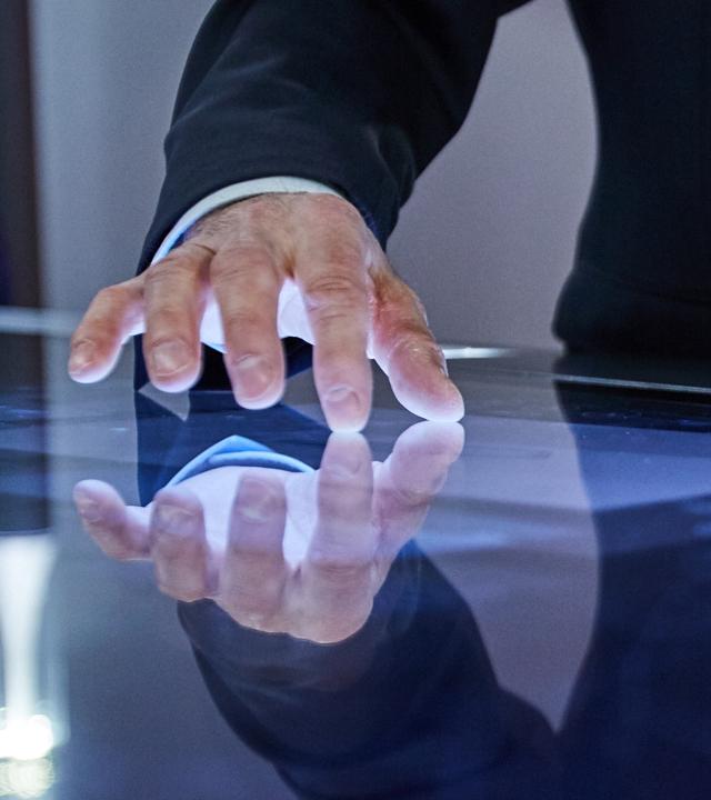 Trilux Touchable